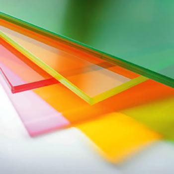 Обемно оцветено стъкло
